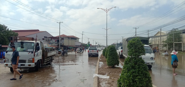 PM Hun Sen Orders Four Ministers to Address Damage Caused by Floods