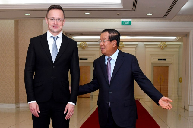 PM Hun Sen Reportedly Tests Negative for COVID-19