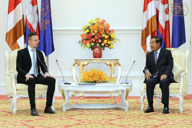 Hungarian FM Expresses Regrets for Coming to Cambodia with COVID-19