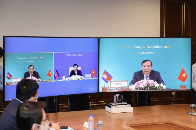 Cambodia, Vietnam vow close cooperation to fight COVID-19