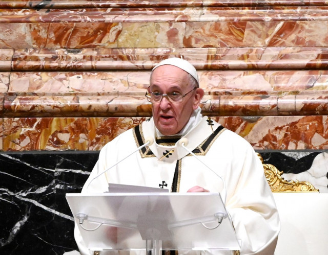 Pope urges Covid 'vaccines for all' in Christmas message