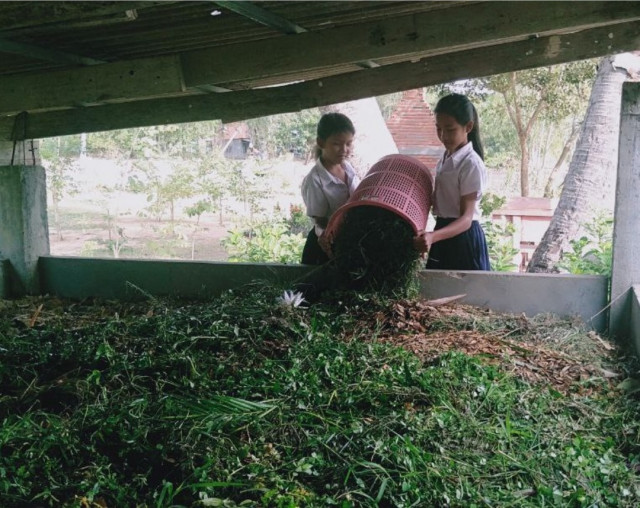 Students in Svay Rieng Learning Through Farming at School