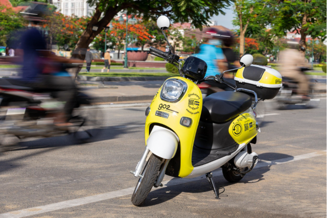 A Campaign to Promote the Use of Electric Vehicles Is Held this Month in Phnom Penh