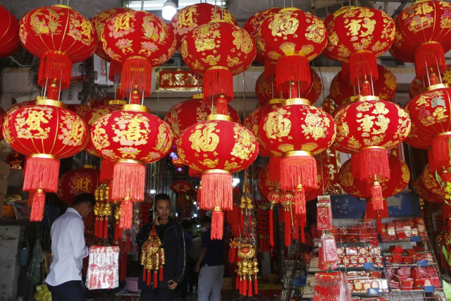 Cambodians celebrate Chinese New Year amid COVID-19 pandemic with hopes for health and wealth