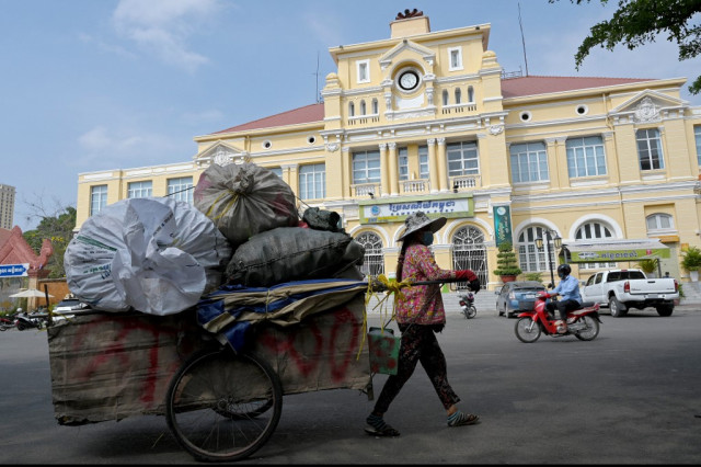 Cambodia's Poorest Struggle with Debt as Microfinance Sector Profits in Pandemic